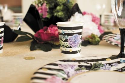 """Glāzītes """"Melnbalti ziedu raksti"""" (8 gab/ 250 ml)"""