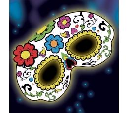 Tumsā spīdoša maska, skeletes