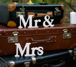 "Koka galda dekorācija ""Mr & Mrs"" (9,5 x 45 cm) 1"