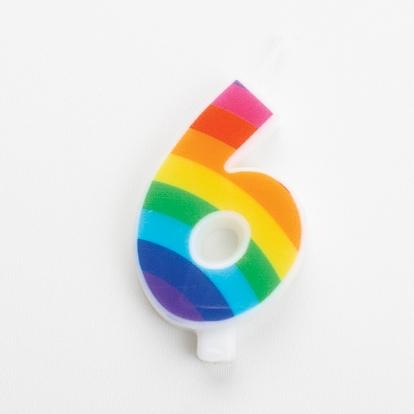 """Svecīte """"6"""", varavīksnes krāsās, sprakstoša"""