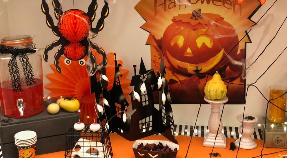 Vienkāršas idejas un padomi pieaugušo Helovīna ballītei