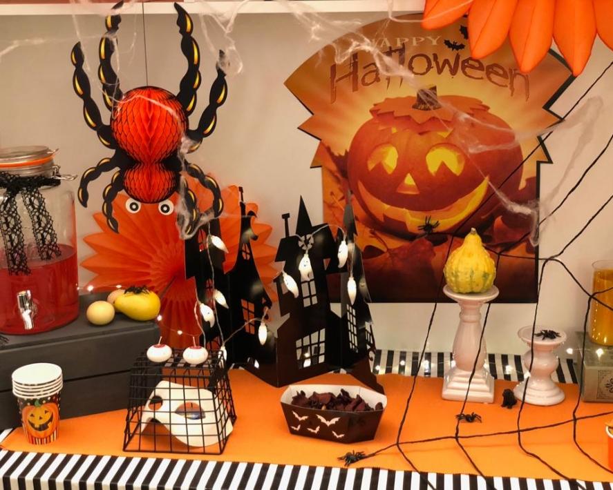 Простые идеи и советы для взрослой вечеринки в честь Хэллоуина