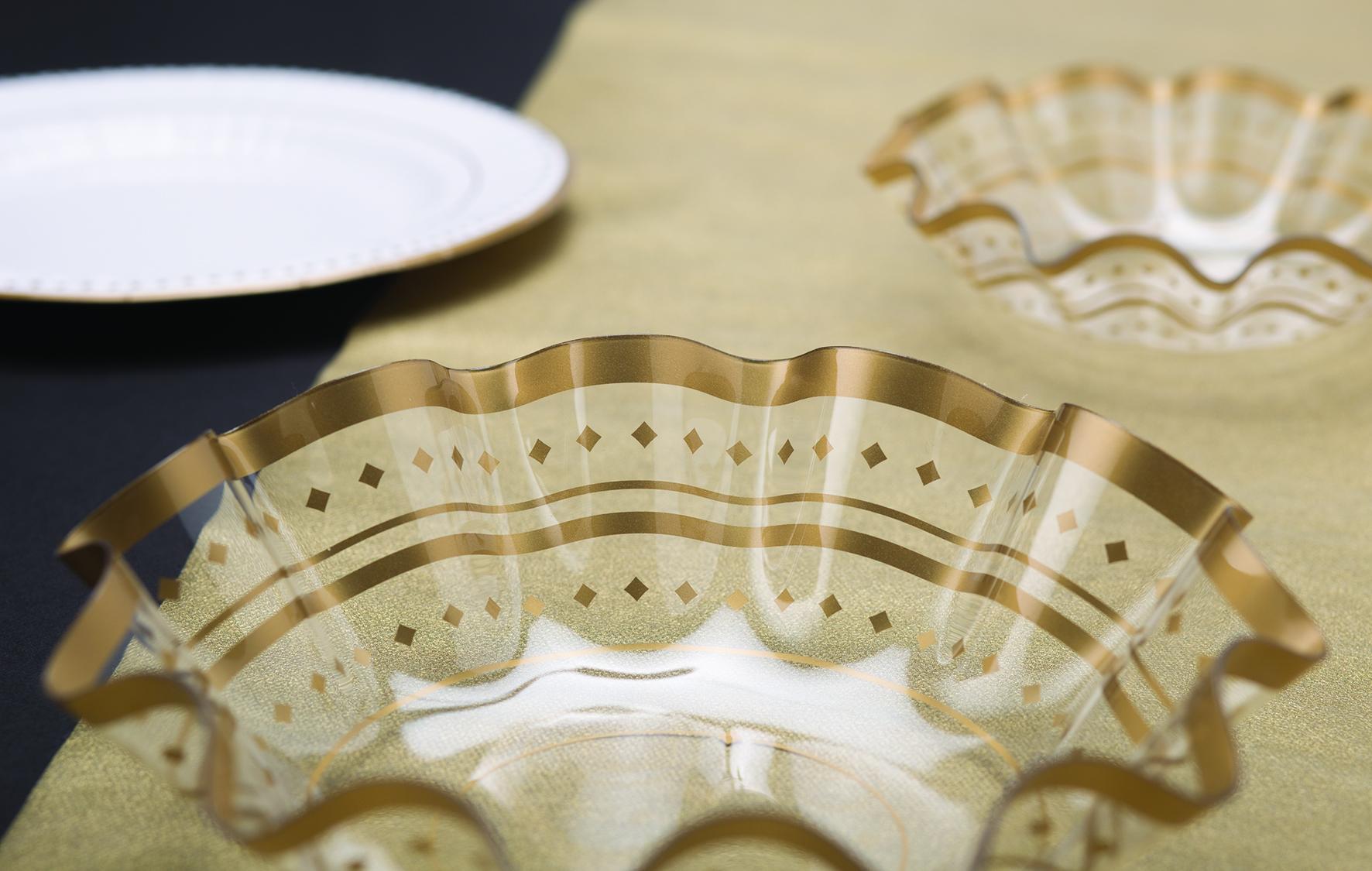 Plastmasas bļoda, zelta raksti (22x6,5 cm)