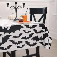 "Galdauts ""Melni sikspārņi"" (137x254 cm)"